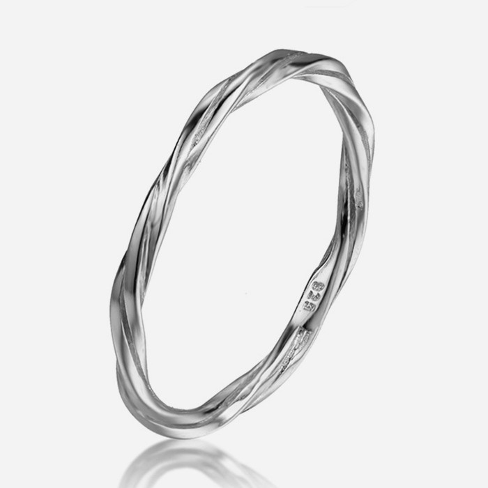 Anillo Twisted